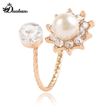 Duohan Fashion Elegant Swarovski Crystal Simulated Pearl Women Ring Simple Delicate Valentine's Day Gift Wedding Band 11043(China)