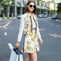 Avrupa tarzı kadın takım elbise moda tasarımcısı baskı jakarlı iki parçalı set uzun kollu ceket kısa üst + kolsuz elbise OM880