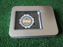 を freeshipping ゴルフアクセサリーギフトゴルフポーカーチップボールマーカーボールのティーブリキの箱