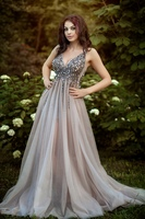 New Arrival Long Prom Dresses Luxury Beaded Sleeveless Crystals Tulle Formal Evening Dress Party Gown Custom