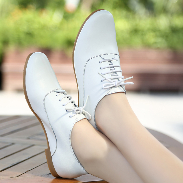 New 2017 Recreational Leather Shoes Flat Flat Round Head Students With Nurse Small White Women Shoes
