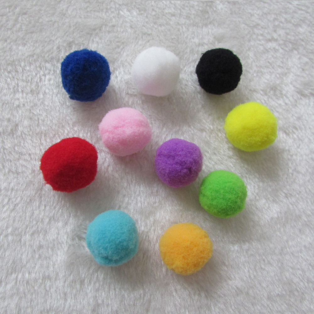 new 1.5cm hot sell 1000PCS sell Crafts Crafts Round Shaped Pompom Mixed Color Soft Fluffy for kids Wedding party home Decoration