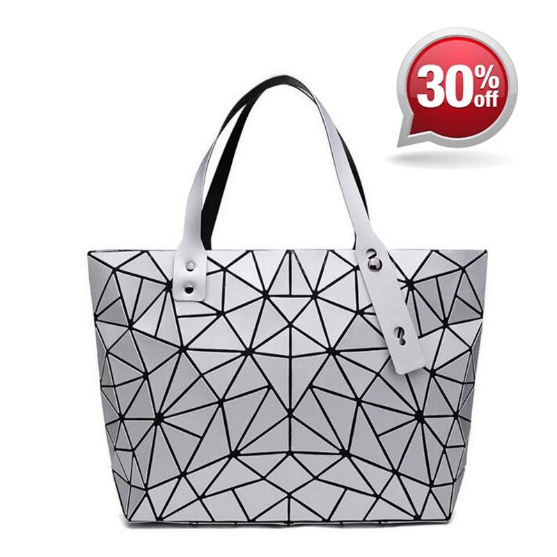 9487b4f9bc7d MANSURSPACE женская сумка bao светящаяся Геометрическая лазерная сумка цепь  ...