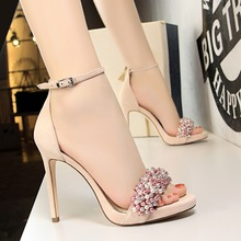 Liren 2019 Summer Fashion Sexy Party Lady Rhinestone Flower Sandals Metal Decoration Bling Buckle Women Sandals Party Shoes sexy flat rhinestone sandals snake style design flip women s sandals crystal decoration lady cute party silver shoes for dress