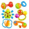 Brinquedos do bebê Musical Chocalhos Adorável Colorido Móvel de Plástico Crianças Sino de Mão Chocalho Música Luz Action Figure Bebek Oyuncak