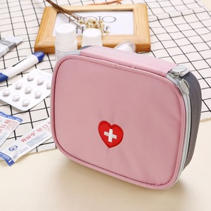Image 4 - 13*10*4 ซม. น่ารัก Mini แบบพกพายากระเป๋าชุดปฐมพยาบาลทางการแพทย์ฉุกเฉินชุด Organizer กลางแจ้งในครัวเรือน pill กระเป๋า