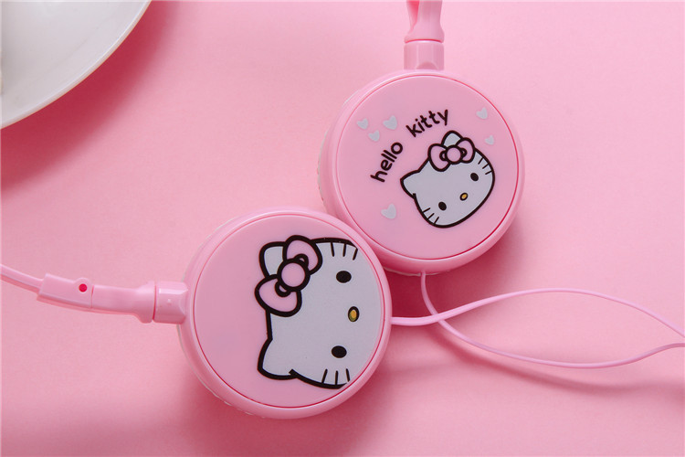Good Gift Cartoon Earphone Hello Kitty Wired 3.5mm Plug Headphones For MP3 MP4 For iphone Samsung Xiaomi Headset Free Shipping