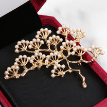 fashion Design Luxury Imitation Pearls Pine Cufflinks for Women Dress Scarf Knot Pins Fashion Wedding Jewelry buckle Gifts