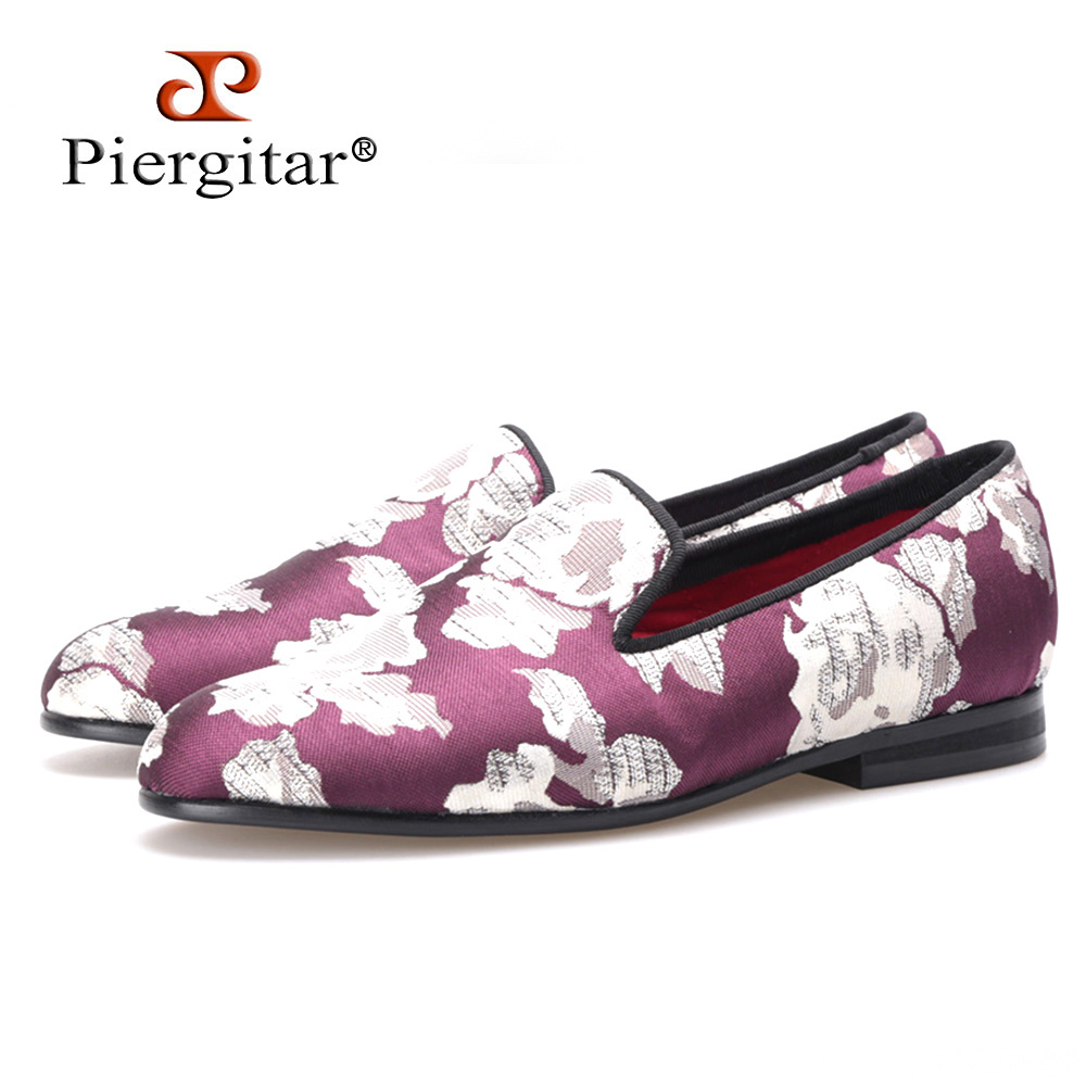 PIERGITAR New Fashion Woman fabric shoes print flowers wine red color woman flats woman loafers Dress shoes free shipping handcraft fashion fabric shoes with puzzle design plain and colorful woman loafers casual and dress woman flats size us5 us11