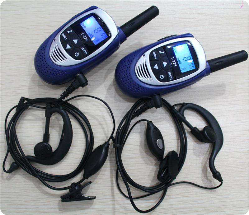 2 PCS Handheld Mini anak Walkie Talkies T228 FRS GMRS 22 Saluran UHF CB Radio dua Arah Radio Interkom w / Earphone charger