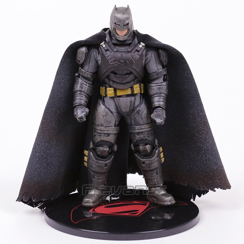 MEZCO TOYZ Batman v Superman Dawn of Justice Armored Batman 1:12 PVC Action Figure Collectible Model Toy with LED Light shfiguarts superman shf figuarts in justice ver pvc action figure collectible model toy