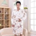 Más el Tamaño de Los Hombres Chinos Dragón Bordado ropa de Dormir Kimono Robes Masculina Tradicional Con Vendaje XXXL precio Al Por Mayor