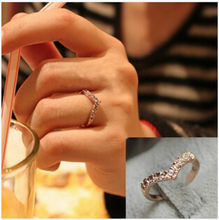 2017 Limited Anillos The New Fashion V-shaped Unique Design Mosaic Imitation Crystal Ring Women's Jewelry Senior Wholesale(China)