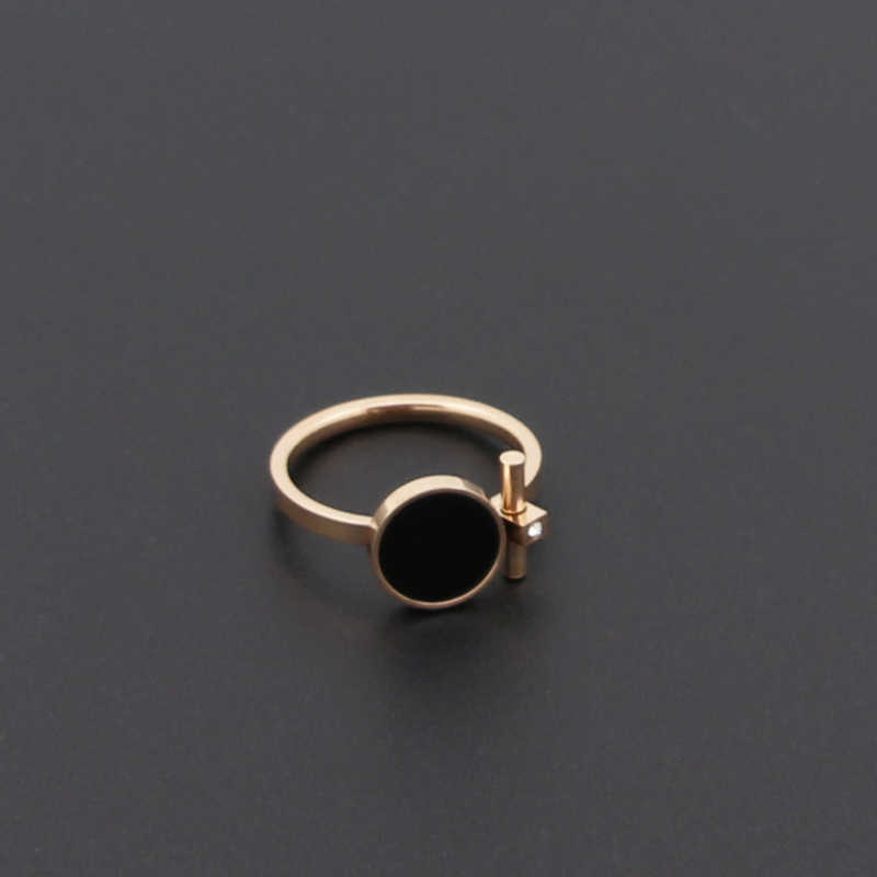 Hot Fashion Luxury Jewelry Ring Exquisite Beauty Black Enamel And Zircon Stainless Steel Rose Gold Color Brand Ring For Women