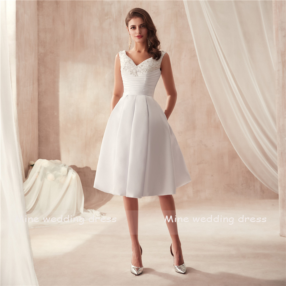 V-neck Two Pieces Matte Satin Famous Design Wedding Dress with Pocket Bridal Gown with Detachable Skirt Wedding Gowns