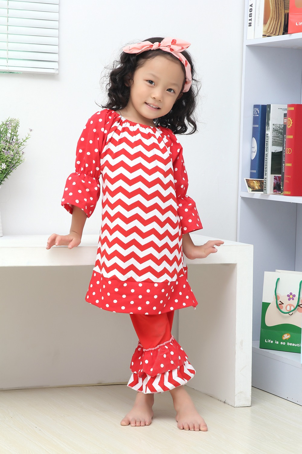 christmas clothes girls xmas Outfit girl boutique ruffle pants long sleeve baby  girl christmas red white chevron dot outfits-in Clothing Sets from Mother  ... de94b7f89a