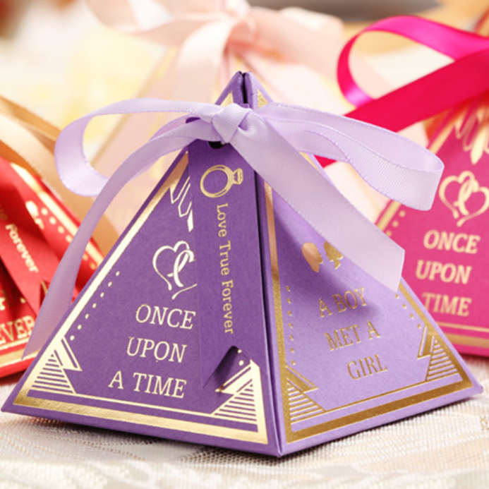 20pcs Exquisite Triangular Pyramid Wedding Favors Love Candy Boxes