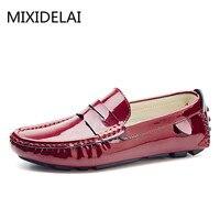 الرجال قرش متعطل براءات الأخفاف mixidelai عنابي الحجم 47 46 45 المتسكعون القيادة أحذية الرجال 12 11 10 9.5 جلد أبيض