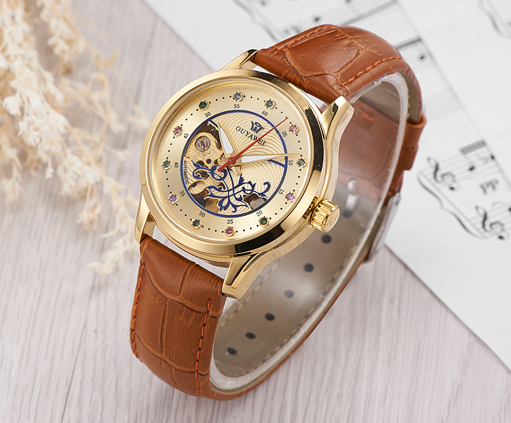 brown watch women 3