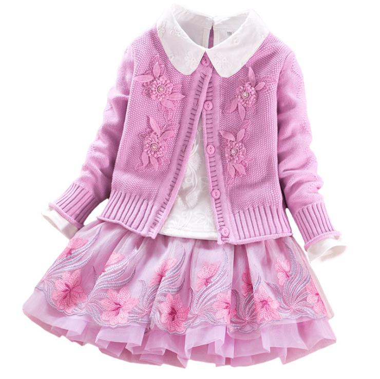 цена European and American autumn new 2018 Parent-child outfit Embroidered sweater + shirt + embroidered skirt Girl's suit