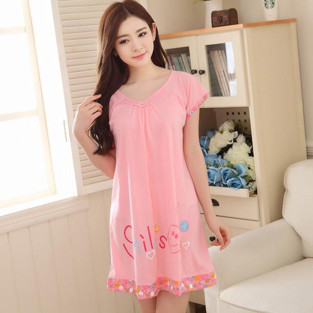 As novas roupas de verão Início Mobiliário grande código de vestido de algodão de manga curta carta dos desenhos animados Coreano casual solto lady Camisola