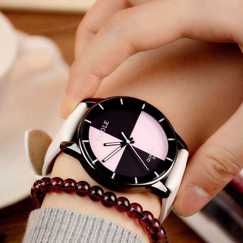 YAZOLE 2018 Fashion Women Watch Black White Turntable Quartz Watch 2 Color Dial Students Wrist Watches High Quality YD345