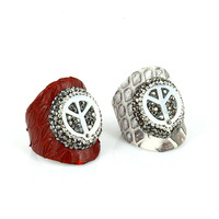 Luxury Jewelry Dark Red Black Leather Ring Base Pave Black White Rhinestone Shell Peace Sign Charms