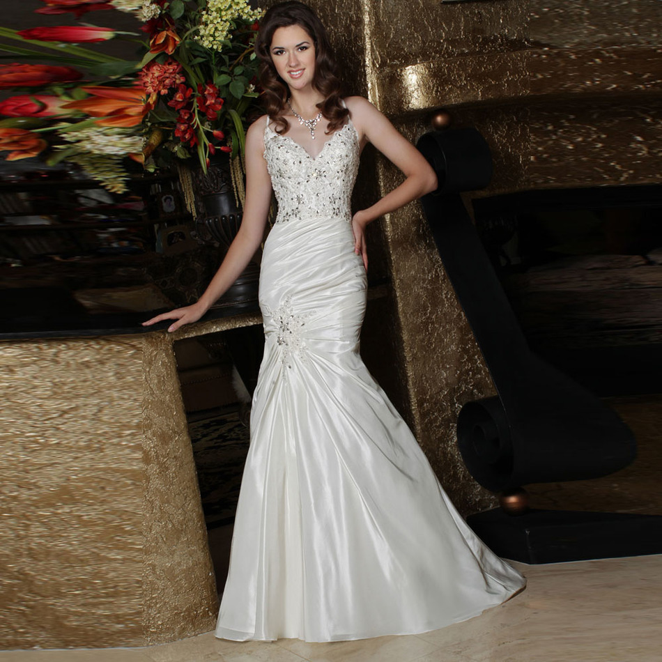 Crystal Wedding Gown: Hot Sale New Discounted Beads Crystals Pleated Satin