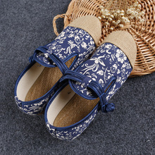 New Vintage canvas Women Embroidery flat shoes blue and white cloth retro Han Dynasty walking dance shoes size 35-40