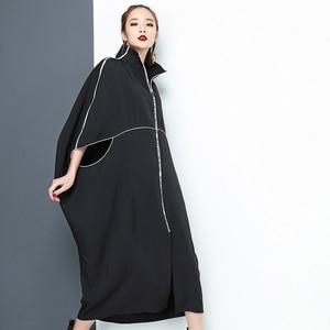 Image 3 - [EAM] 2020 nouveau printemps col montant à manches longues noir lettre fermeture éclair irrégulière grande taille solide robe femmes mode marée JE65001