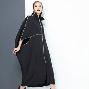 Image 3 - [EAM] 2020 חדש אביב צווארון עומד ארוך שרוול שחור מכתב רוכסן סדיר גדול גודל מוצק שמלת נשים אופנה גאות JE65001