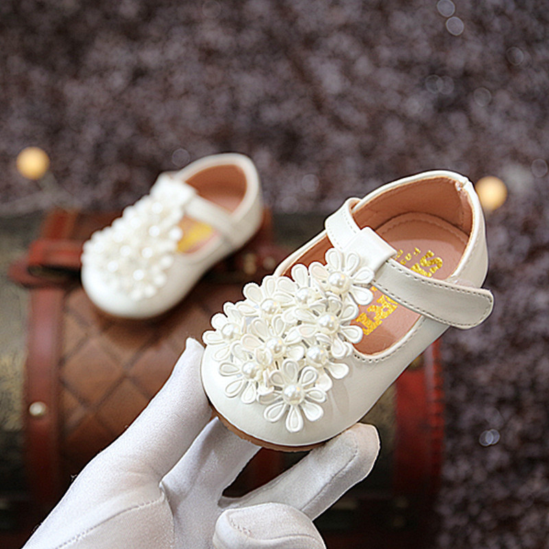 Girls Flowers Pearl Baby Toddler Shoes Children 's Leather Shoes Of Autumn New Kids Princess Shoes