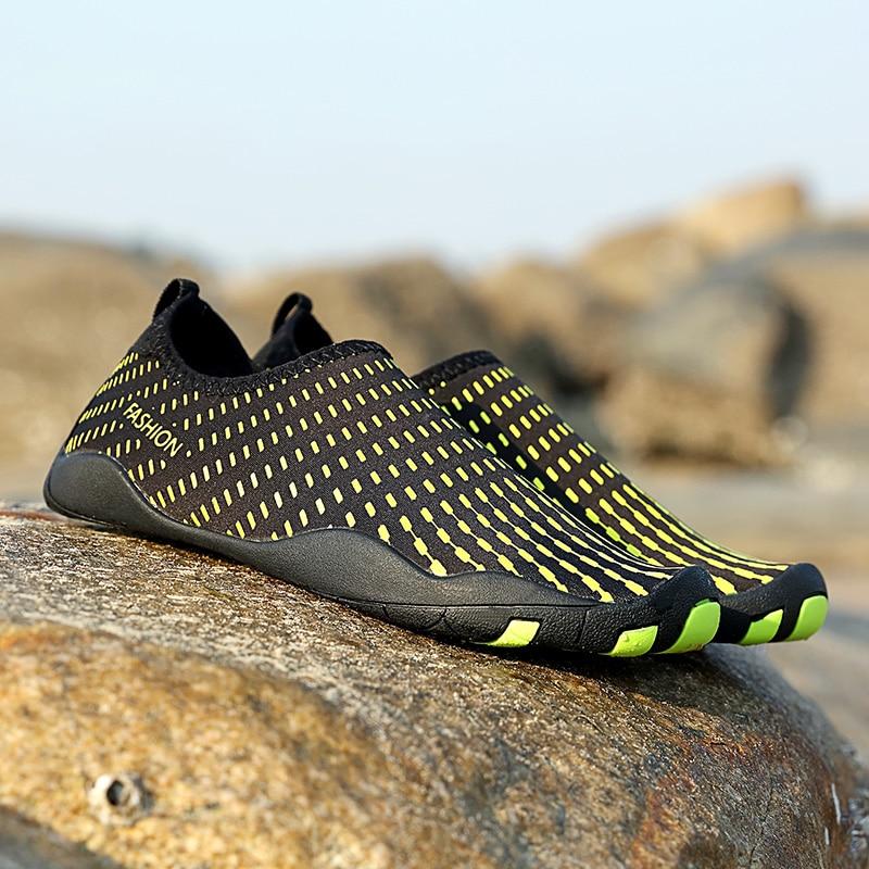 Hombres mujer playa verano Zapatos al aire libre Swim zapatilla en Surf Aqua piel calcetín rayas zapatos Lighweight parejas zapatos mar