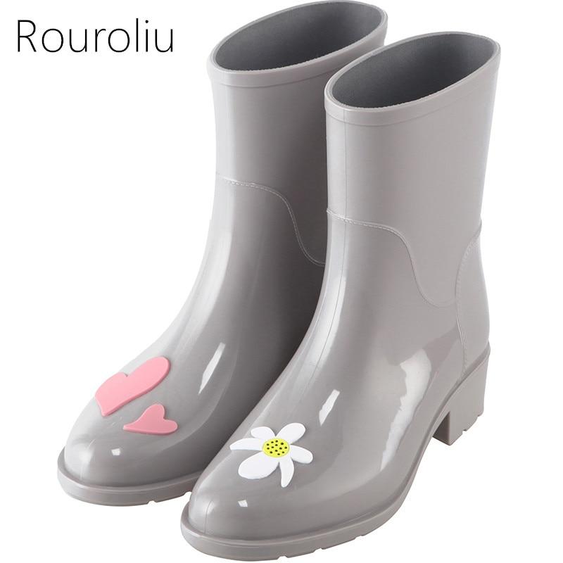 Rouroliu Women Pointed Toe Floral Rain Boots Slip-on Mid-Calf Rainboots Waterproof Water Shoes Woman Rubber Wellies RB118 rouroliu women non slip mid calf rubber rain boots autumn pvc waterproof water shoes woman wellies slip on rb218