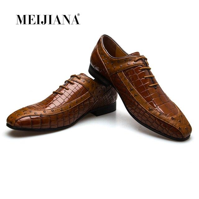 MeiJiaNa אופנה איטלקי Mens נעלי עור חום יוקרה מגולף הבוהן אוקספורד זכר נעלי גברים עסקי משרד