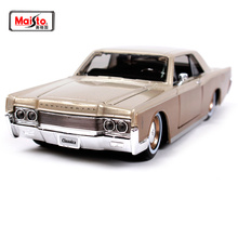 цена на Maisto 1:26 1966 LINCOLN CONTINENTAL Diecast Model Car Toy New In Box Free Shipping 32531