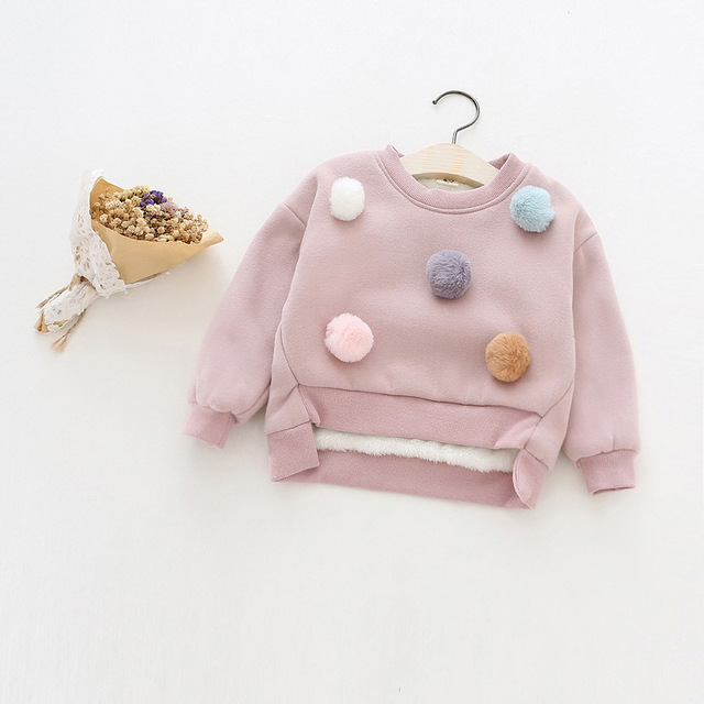 Children 's clothing new  2017 girls cute wool ball plus velet sweatshirts  thick t-shirts  SY362