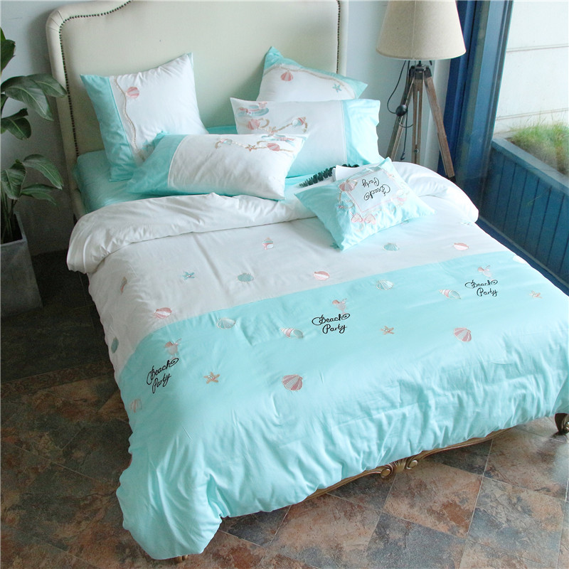 2017 Luxury Egyptian Cotton Elegant Embroidery Bedding set blue Bed set King Queen Size Duvet cover Bedsheet set2017 Luxury Egyptian Cotton Elegant Embroidery Bedding set blue Bed set King Queen Size Duvet cover Bedsheet set