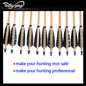Image 4 - 24 sztuk 31.5 cal drewniane strzały 20 70lbs 5 cal czarny turcja Feather łopatki do łuku refleksyjnego łuk łucznictwo polowanie