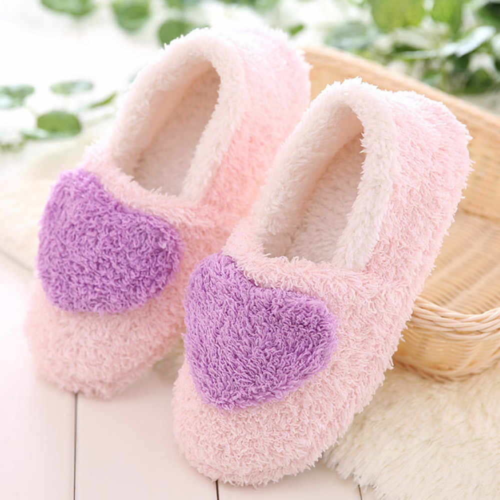 Plat d'hiver en forme de coeur Bacon's home avec des pantoufles rembourrées en coton troupeau solide hiver pantoufles d'intérieur dames doux pantoufles # W