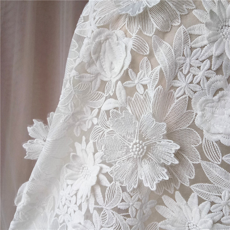 """1 MTR LIGHT GOLD//CREAM 3D ROSE EMBROIDED RHINSTONE 55"""" WIDE BRIDAL FABRIC NEW"""