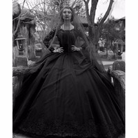 Vintage Black Gothic Wedding Dresses 2017 Long Sleeves Beads Lace Jewel Neck New 50S Wedding GownS