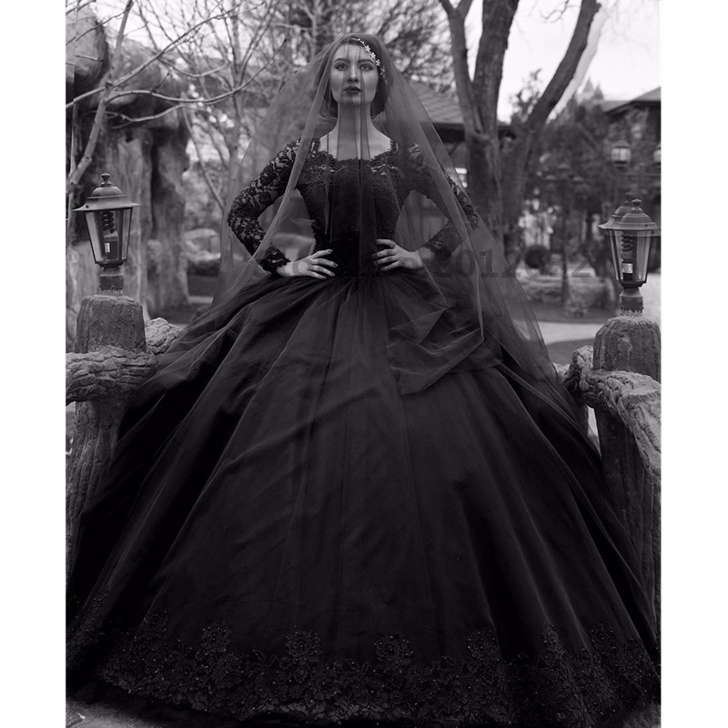 Vintage Black Gothic Wedding Dresses 2019 Long Sleeves Beads Lace Jewel Neck New 50S Wedding GownS Non White Robe De Mariee