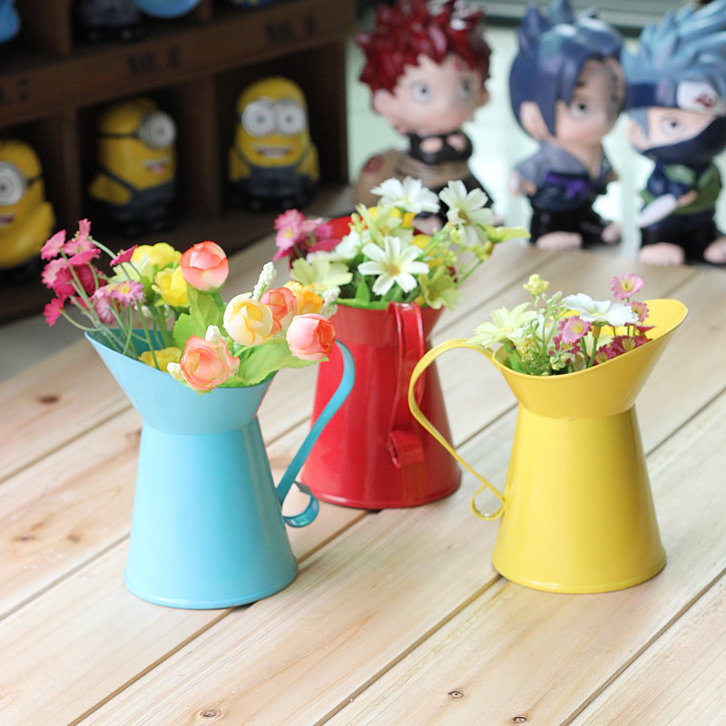 Metal Watering Can Planter Interior Design Amp Decorating