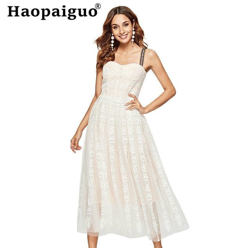 Robe de plage blanche élégante pour les femmes sangle Spaghetti vacances tenue décontractée vêtements d'été pour les femmes Corset robes Midi dames