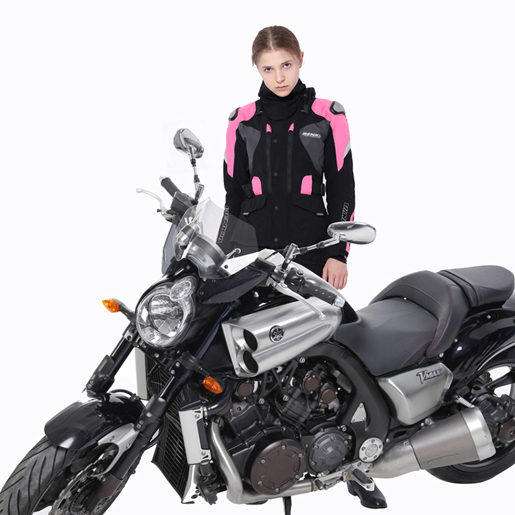 Model Show- Black Pink