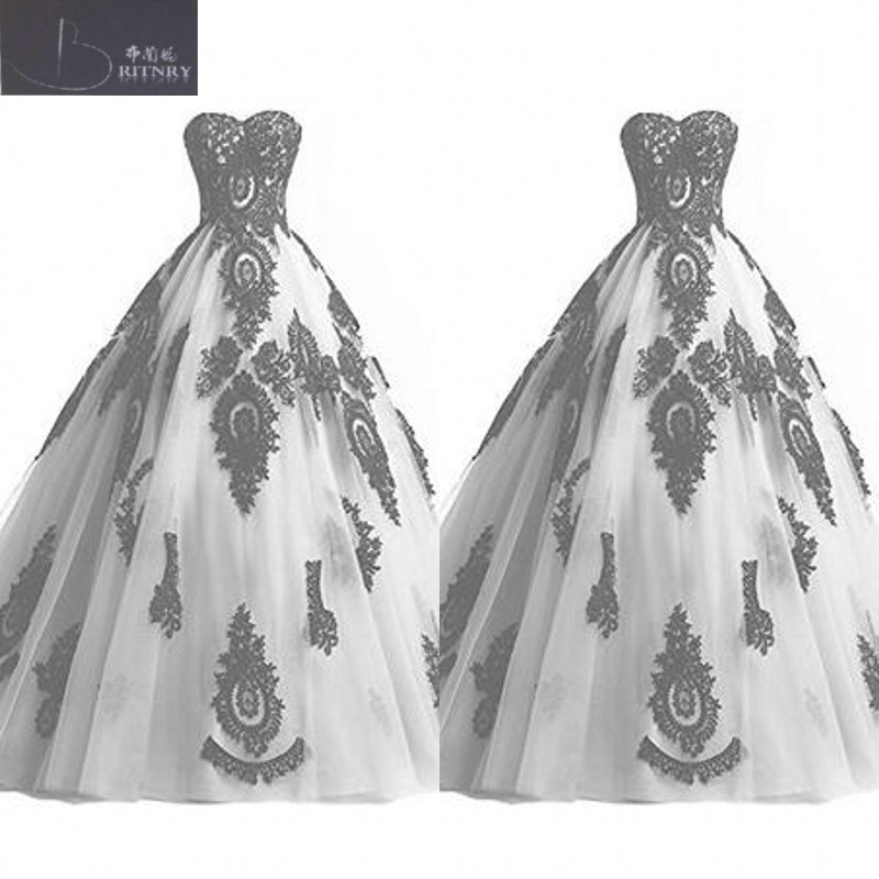 Gothic Black and White Wedding Dress Sweetheart Neck Puffy A Line White Tulle and Black Lace