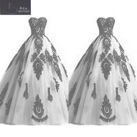 Gothic Black and White Wedding Dress Sweetheart Neck Puffy Una Linea Bianca di Tulle e Pizzo Nero Appliqued Vintage Abiti Da Sposa