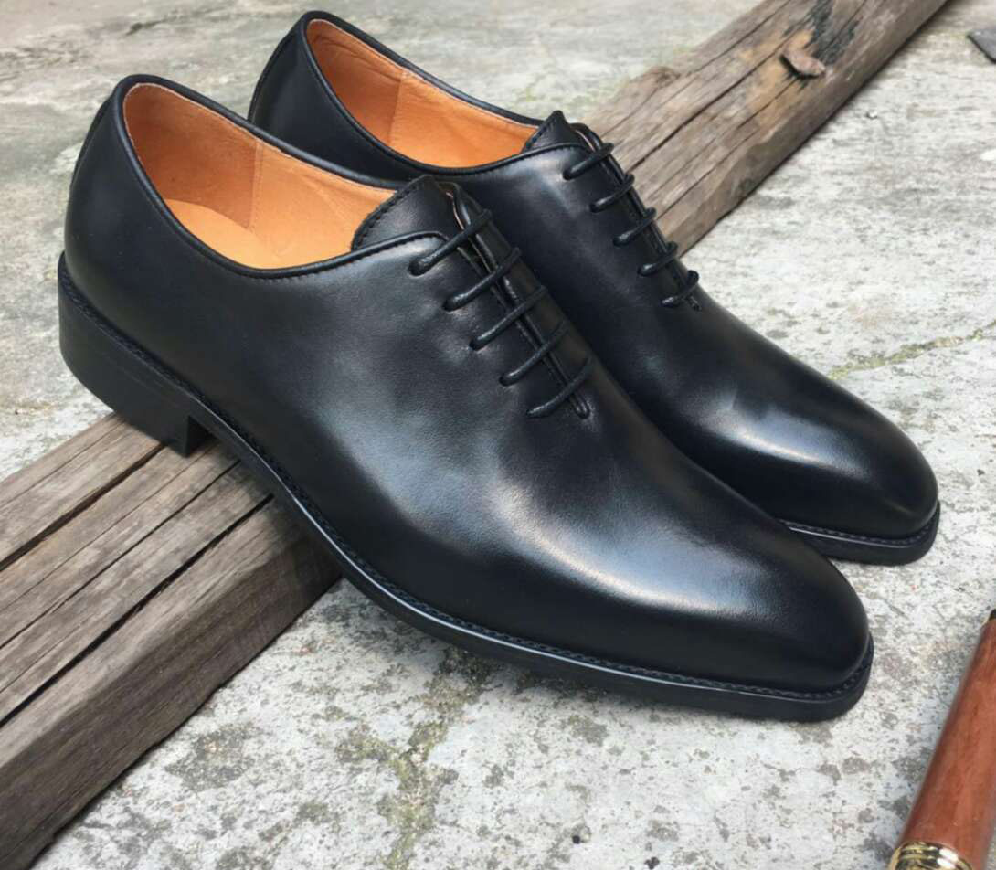 2019 Men Fashion Business Shoes Casual Shoes Square Head Genuine Leather Shoes Wedding Flat Dress Party Lace Up Shoes in Formal Shoes from Shoes