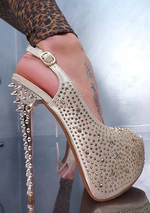 2018 Latest Sexy Rivets Studded High Plarform Sexy Stiletto Peep Toe Crystal Embellished Sandals Women Wedding Party Dress Shoes2018 Latest Sexy Rivets Studded High Plarform Sexy Stiletto Peep Toe Crystal Embellished Sandals Women Wedding Party Dress Shoes